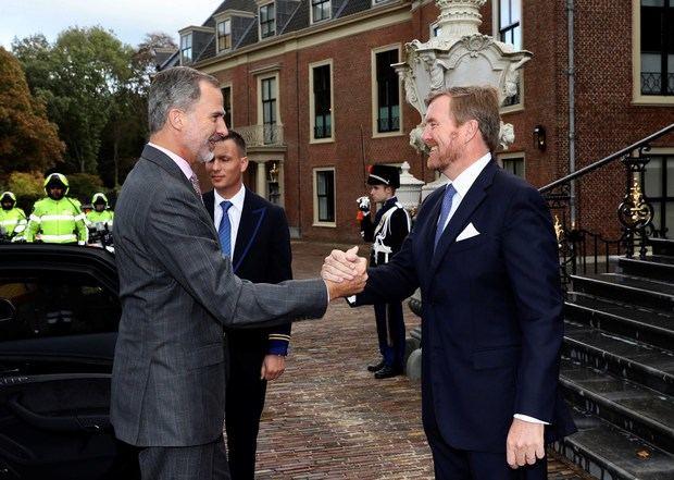 El rey Guillermo Alejandro de Holanda recibe a Felipe VI en La Haya