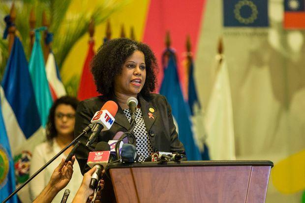 En la imagen la directora ejecutiva del Centro Regional de Promoción de la Mypime (Cenpromype), la dominicana Miosotis Rivas (imagen).