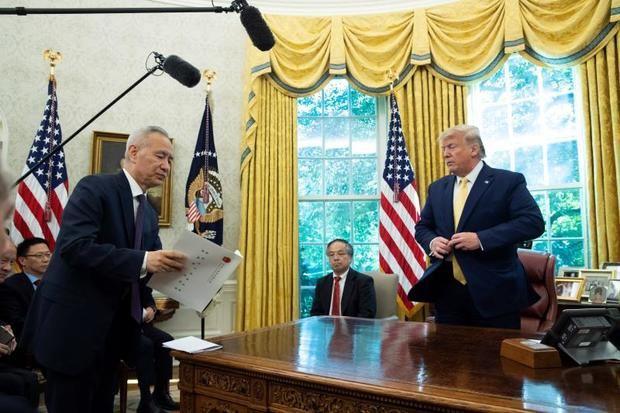 """Trump relaja su guerra comercial con China y declara un """"festival del amor"""""""