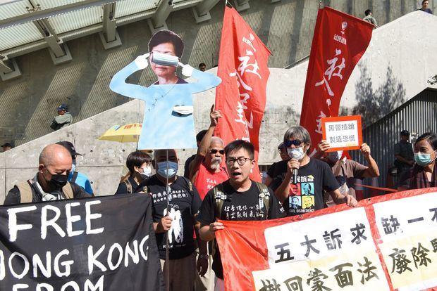 Apaleado uno de los activistas prodemocráticos más destacados de Hong Kong.