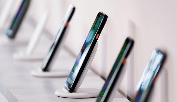Una pantalla de los nuevos teléfonos Google Pixel 4 durante un evento de lanzamiento de productos de Google llamado 'Hecho por Google' 19 'en Nueva York, Nueva York, EE. UU.