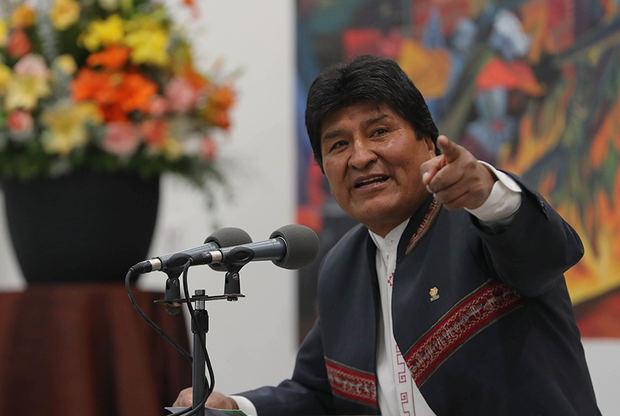 Evo Morales celebra su victoria mientras siguen las protestas por fraude
