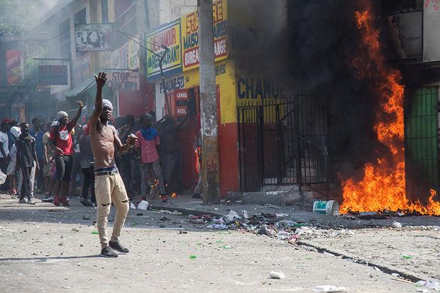 República Dominicana refuerza la presencia militar en la frontera con Haití ante las protestas