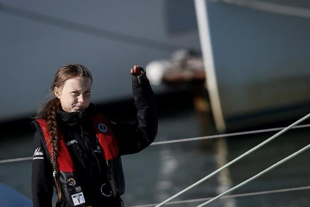 """Greta Thunberg vuelve a Europa con la bandera de los jóvenes """"enfadados"""""""