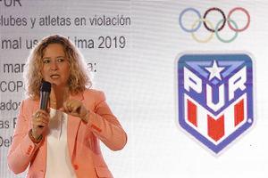 En la imagen un registro de la presidenta del Comité Olímpico de Puerto Rico (Copur), Sara Rosario, quien detalló que actualmente la entidad funciona a base de líneas de créditos bancarios ante la falta de asignación monetaria del gobierno de la isla.