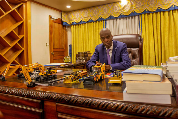 Fotografía disponible este sábado 7 de diciembre que muestra al presidente de Haití, Jovenel Moise, durante una entrevista con la Agencia Efe el 5 de diciembre de 2019, en Puerto Príncipe (Haití) en la que ha asegurado que el país 'es ingobernable con esta Constitución'.