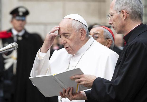 El papa advierte que la 'corrupción del corazón' es 'el peligro más grave'.