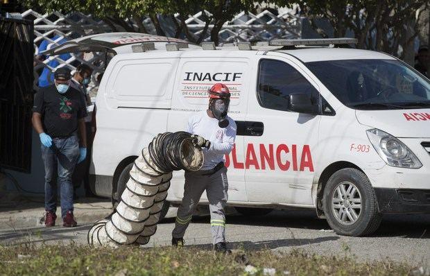 Muere un secuestrador que retenía a cuatro personas y mató a un policía en Santo Domingo