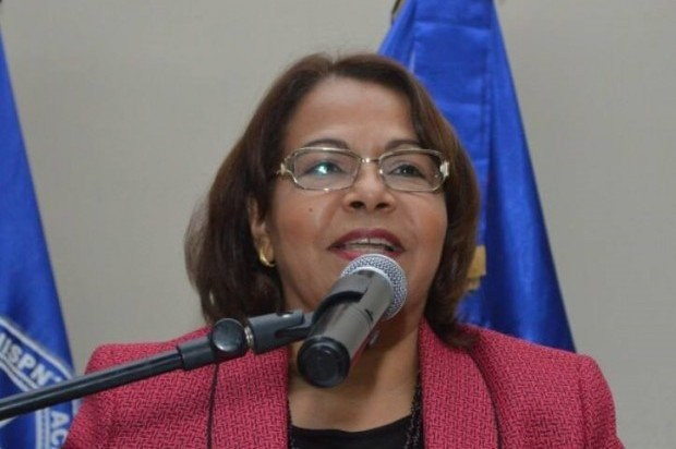 Emma Polanco envía felicitaciones por Día de las Madres