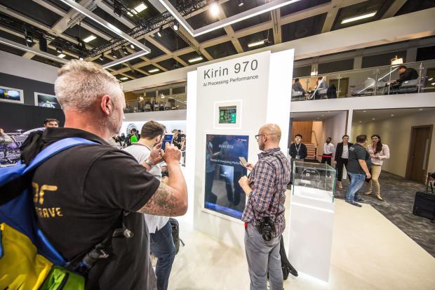 Huawei presenta el futuro de la inteligencia artificial móvil en IFA 2017