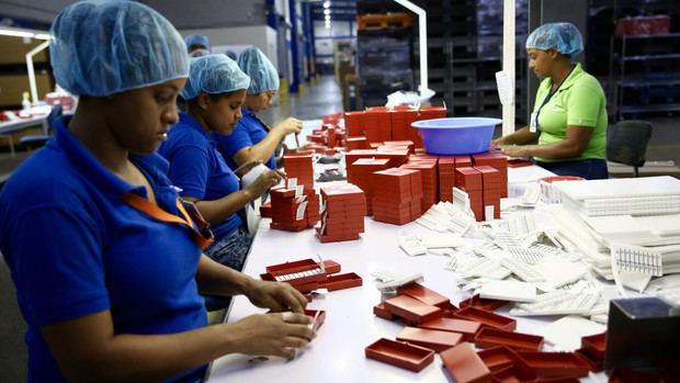 Danilo Medina envía abrazo fraternal a trabajadores construyen cada día Patria próspera