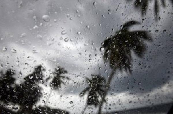 Nublados ocasionales con aguaceros y tronadas en algunas localidades