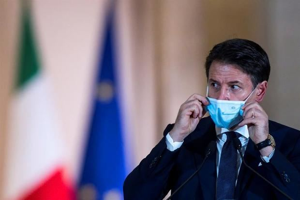 Italia cerrarán las zonas más concurridas de sus ciudades para frenar al virus