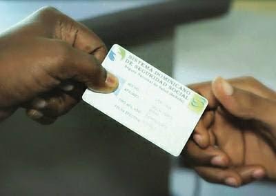 El presidente Abinader entrega más de 500 carnets premium del Senasa a los miembros del CUSEP
