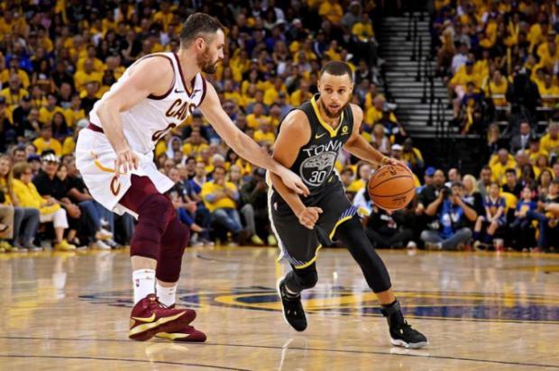 Warriors controlan la final de la NBA
