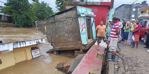 Las lluvias no cesan y obligan a desplazar a 6,405 personas.