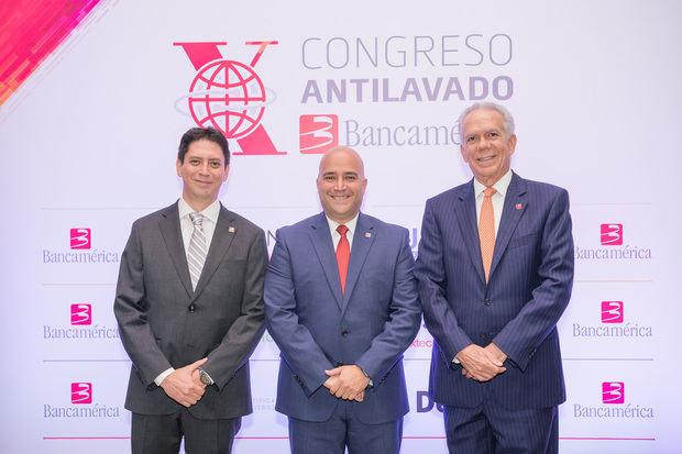 Juan Medina, Giacomo Giannetto y Marcos Troncoso.