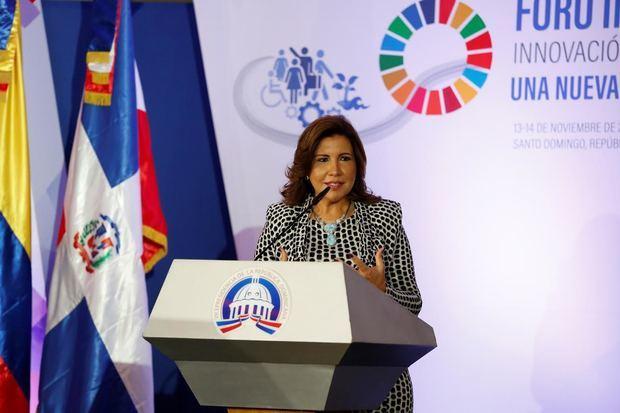 """Durante el """"Foro Internacional Innovación para el Desarrollo Sostenible: Una Nueva Generación de Políticas Sociales"""", la vicepresidenta Margarita Cedeño, dijo que la República Dominicana muestra una mejoría en casi todos los indicadores del desarrollo social, como resultado de 15 años de políticas públicas de calidad."""