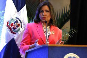 La Vicepresidenta de la República, Margarita Cedeño, destacó que se está trabajando en el diseño de una intervención seria, honesta, integral e intersectorial para detener el matrimonio infantil.