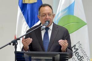 Ministro de Medio Ambiente, Ángel Estévez.