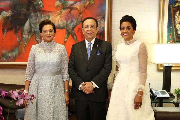 Fior D'Aliza Martínez de Valdez, Héctor Valdez Albizu y Cándida Montilla de Medina