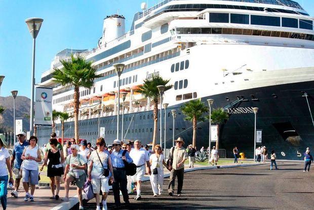 RD crece en captación de divisas y 5.0% en llegada de turistas no residentes