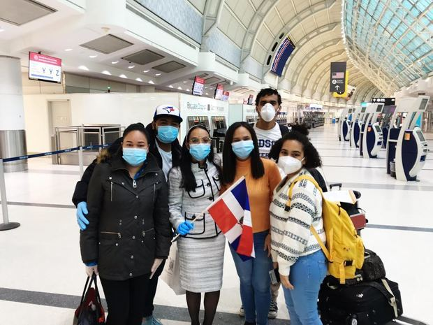 La Embajada Dominicana en Canadá repatría 28 dominicanos varados