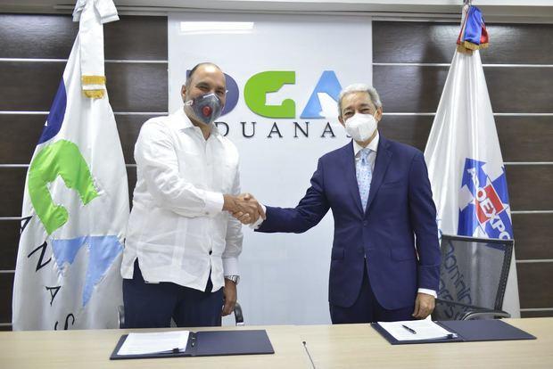 Dirección General de Aduanas, DGA y la Asociación Dominicana de Exportadores, Adoexpo, suscribieron un acuerdo de colaboración.