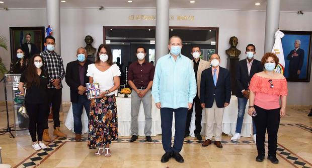 Ministerio de Cultura pone a circular 18 obras de autores dominicanos