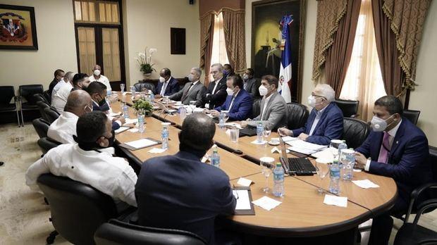 Industriales presentan propuesta para «optimizar» uso fondos de pensiones.