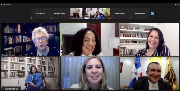 """JCE realiza seminario virtual """"Retos y desafíos de mujeres líderes en la política'"""