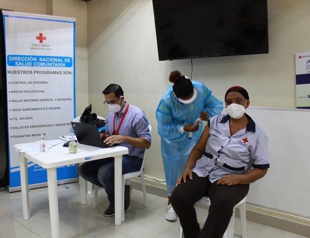 Convocan jornada de vacunación en la Cruz Roja