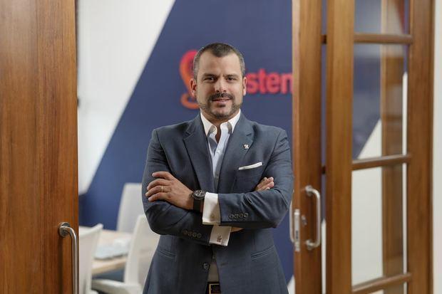 Dr. Andrés Simón González Silén, presidente y co-fundador de asistensis.
