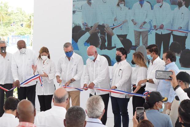 Presidente de la República, Luis Abinader, inauguró las nuevas instalaciones del Puerto de Barahona.