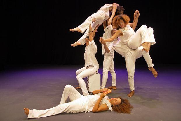 Espectáculo 'Cuerpo a Cuerpo', de la Compañía Nacional de Danza Contemporánea.