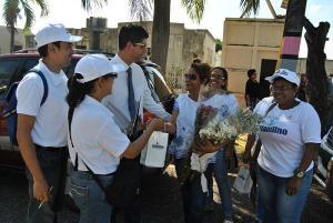 El personal del Grupo Blandino encabezado por su presidente Fernando Arredondo