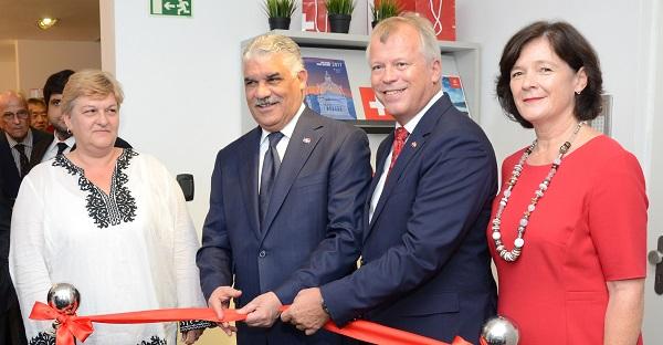 Inauguran nueva sede de la Embajada de Suiza en el país