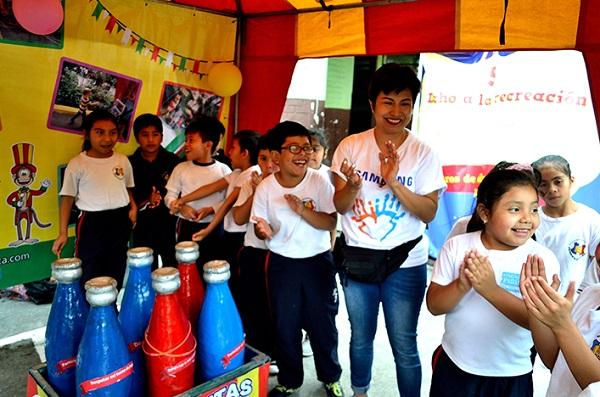 Voluntarios Samsung promueven los Derechos de los niños y niñas a través del juego