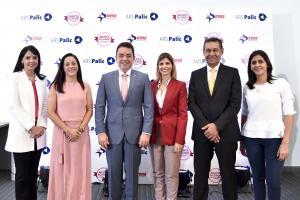 Mirla Estévez, Doris Alburquerque, Andrés Mejía, Ana María Ramos, Jaime Herrera y Gabriela Castillo.
