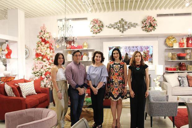 Alexandra Cambiaso de Arbaje, Eduardo Arbaje, Margarita Arbaje, Raquel Arbaje y Monica Arbaje.