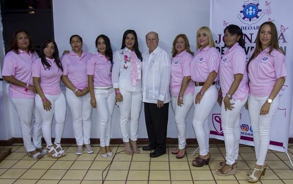 Instituciones se activan por la lucha contra el cáncer de mama