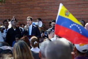 El presidente del Parlamento, Juan Guaidó, participa en la sesión de la Asamblea Nacional en conmemoración de los 20 años de la Constitución y de la tragedia de Vargas este domingo en La Guaira (Venezuela).
