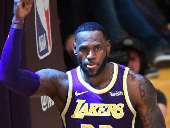 LeBron James no portará mensaje social en su jersey.