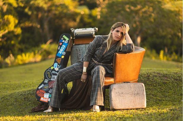 Nathalie Hazim obtuvo tres nominaciones la 18va. entrega de los Independent Music Awards, IMA.