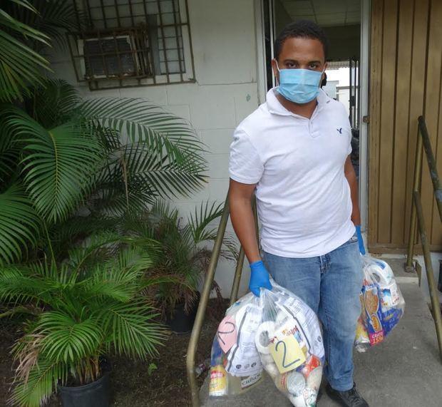 Industrias de Haina donan catorce toneladas de alimentos a comunidades.