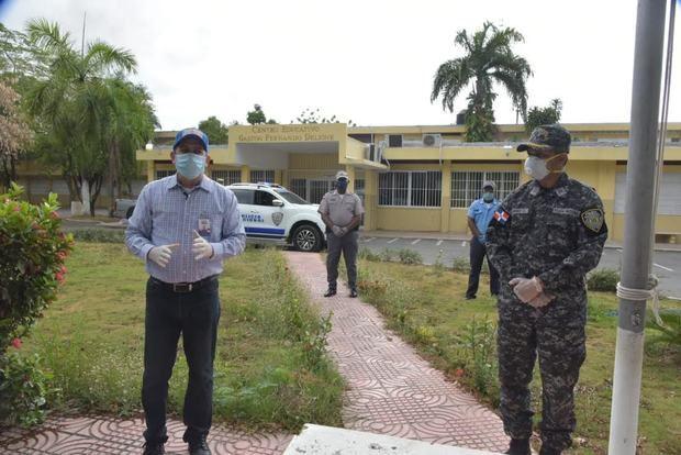 Policía Escolar coordina operativo de vigilancia en centros educativos del país