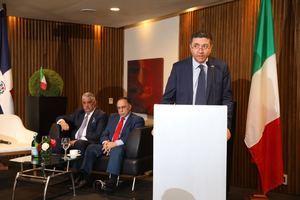 Miguel Vargas Maldonado, ministro de Relaciones Exteriores, Celso Marrancini, Presidente de la Cámara; Andrea Canepari, embajador italiano en RD.