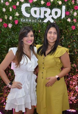 Johanna Henríquez y Nathaly Reyes.