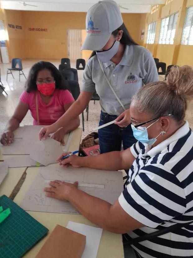 Instituciones inician taller de formación artesanal en la zona fronteriza