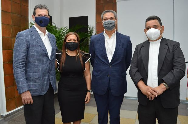 Yudis Espinal, Yuledis Espinal, Vinicio Mella y Jose Alfredo Rodriguez.